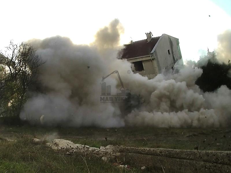 Dinamitle Yapı ve İnşaat Yıkım Resimleri, Patlayıcı İle Bina Yıkımı Resimleri Mab Destroy İnşaat Yıkım.